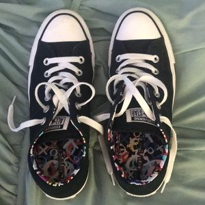 Converse size 8 1/2
